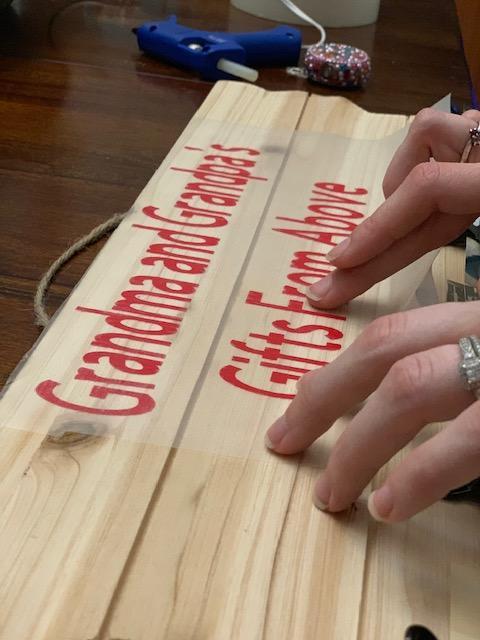 DIY Gift Cricut Placing Lettering on Wooden Pallet