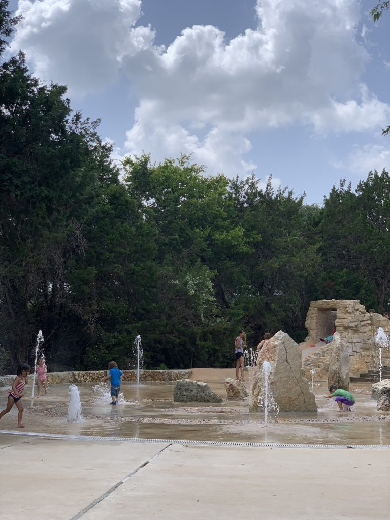things to do in Austin with toddlers splash pad